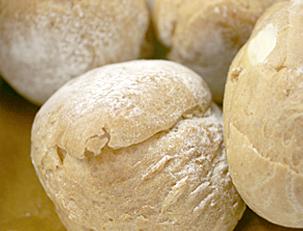ハイジの白パンに似てる…。